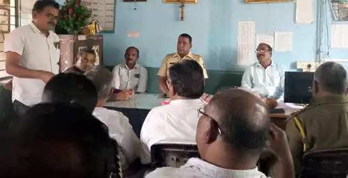 खामगाव ग्रामीण पोलीस ठाण्यात शेख रफीक यांना निरोप; सहकाऱ्यांनी केला सत्कार