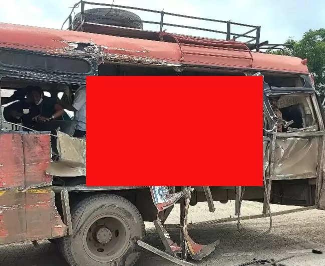 एसटी बस-ट्रकच्या भीषण अपघातात प्रवासी वृद्ध महिला ठार; २५ जण जखमी, देऊळगाव शहराजवळील दुर्घटना