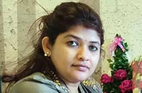 बलात्काराचा आरोपी मोकाट, हिंदूंवर टीका करणारा शार्जील उस्मानी मोकाट; राणे प्रकरणावरून श्वेताताई महालेंची राज्य सरकारवर टीका