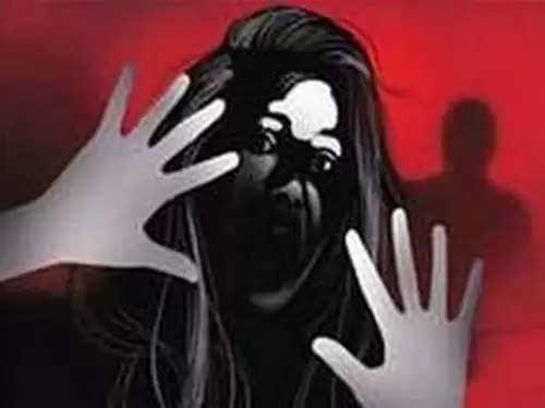 महाबळेश्वरमध्ये १५ वर्षीय मुलीवर सामूहिक लैंगिक अत्याचार; प्रेग्नंट राहून बाळाला दिला जन्म!!